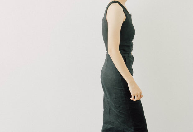 Cotton and linen short vest + one-breasted skirt suit in black