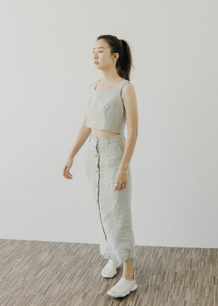 Cotton and linen short vest + one-breasted skirt suit in almond