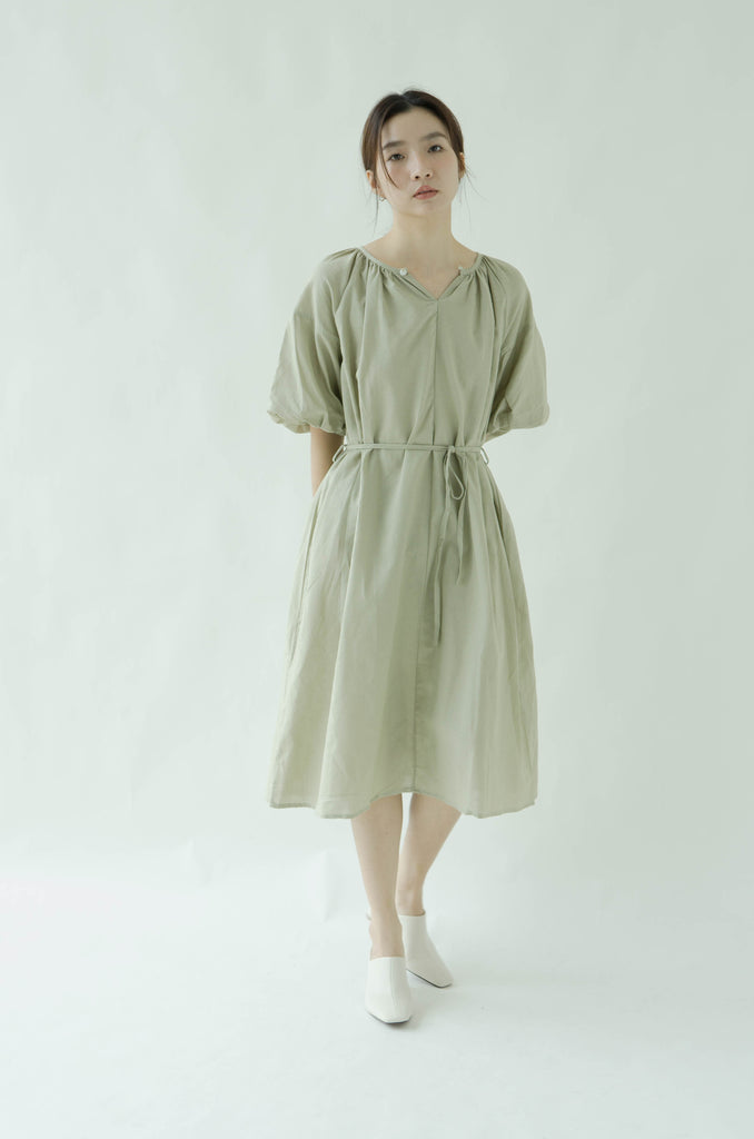 Open back lace short sleeve dress in green tea color
