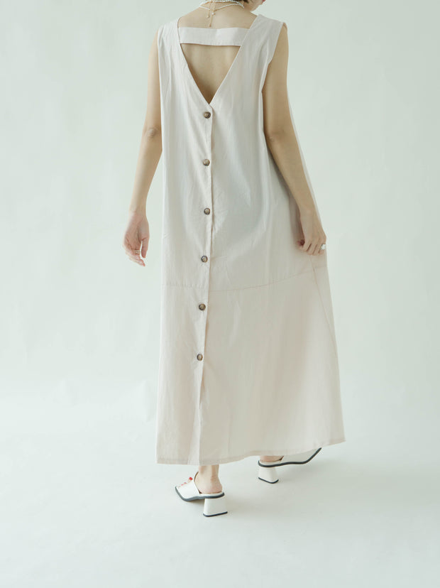 V-neck back single-breasted cotton and linen dress in nude color