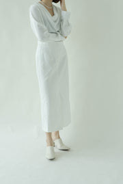 High waist loose slim skirt in white