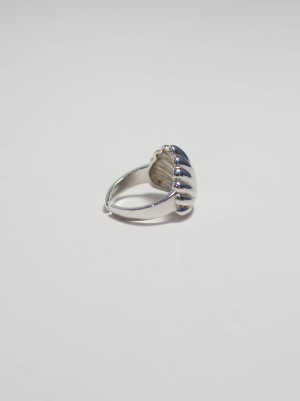 Scalloped shell ring