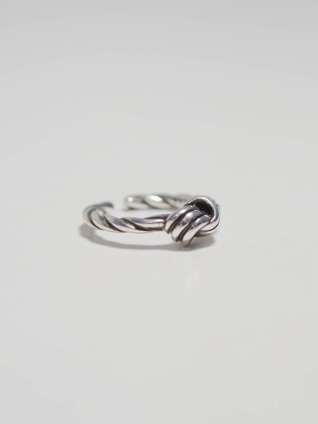 Knot simple ring