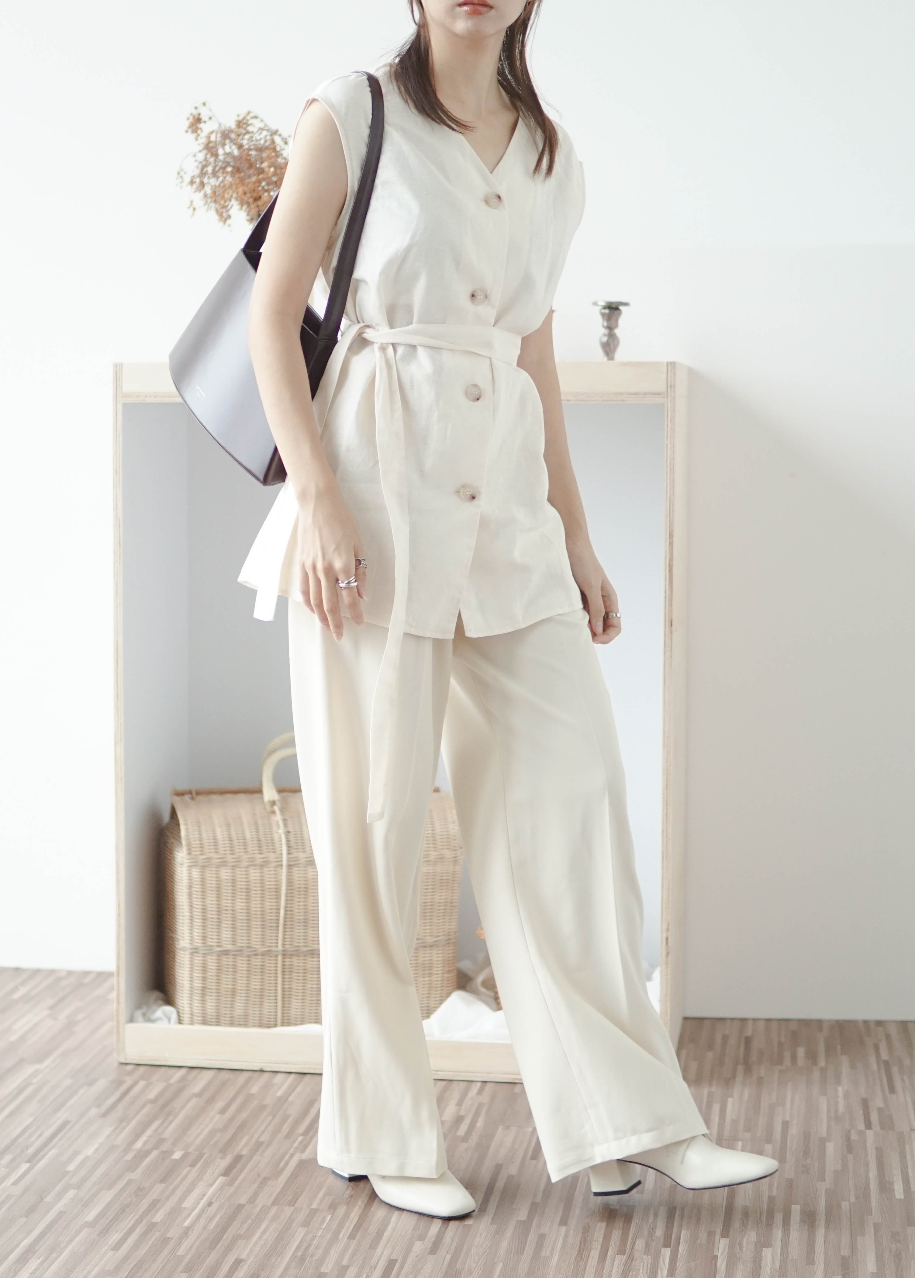 V-neck cotton and linen sleeveless lace-up cardigan in cream white