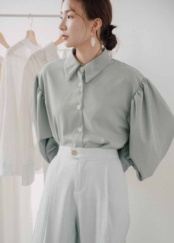 Long-sleeved shirt in mint green