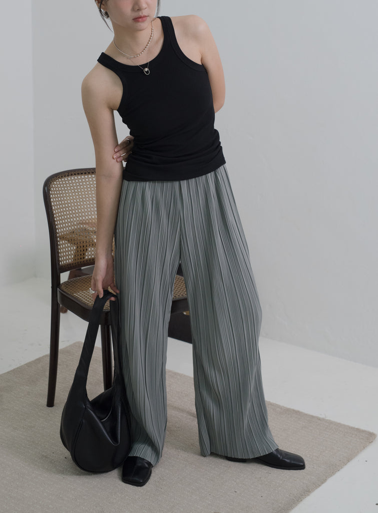 Folded wide-legged trousers in grey