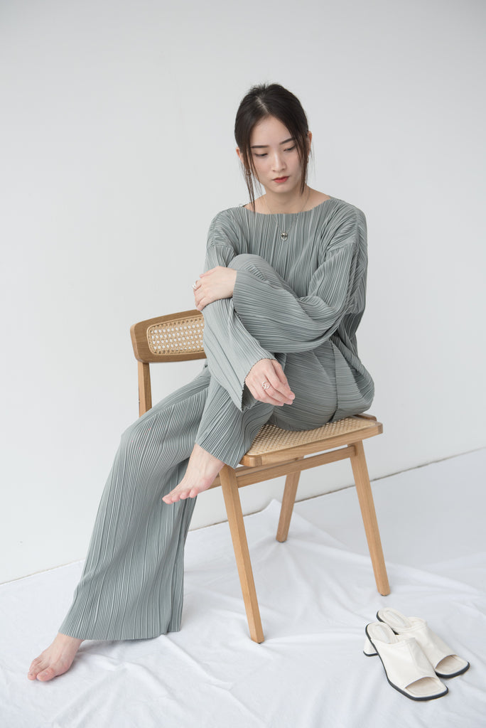 Pleated elastic t-shirt in grey