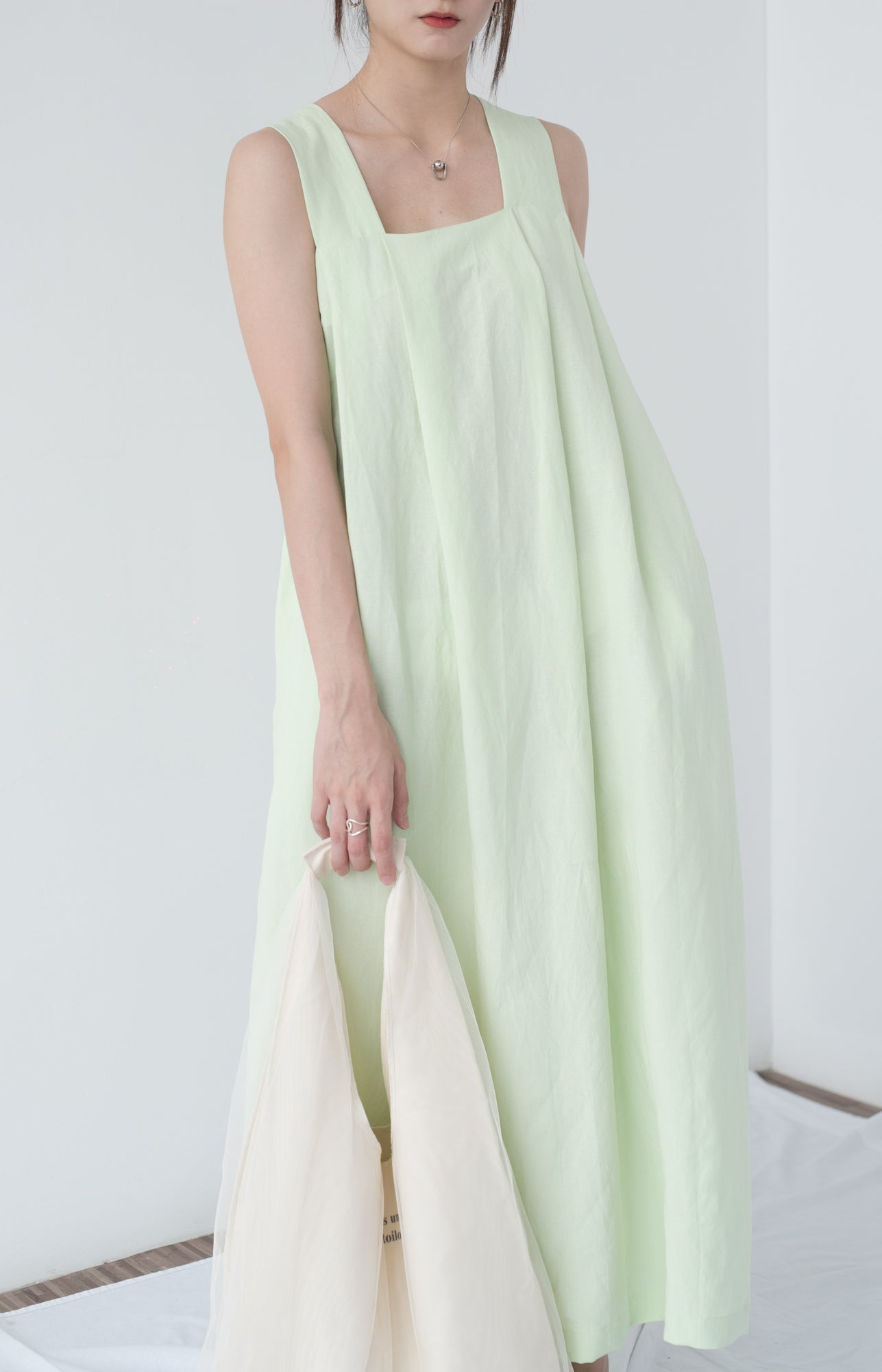 Castor sleeveless long dress in mint green