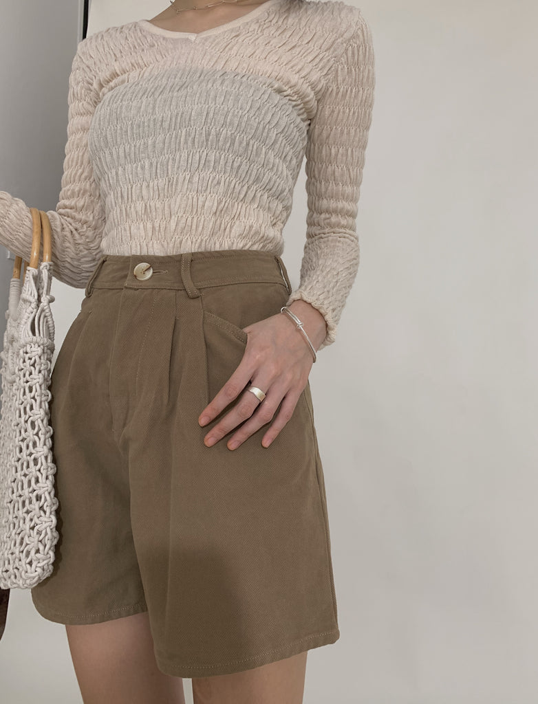 Wide-barrel shorts in khaki