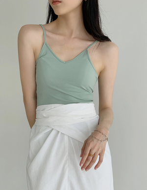 Sexy knitted camisole for outer wear in kiwi green