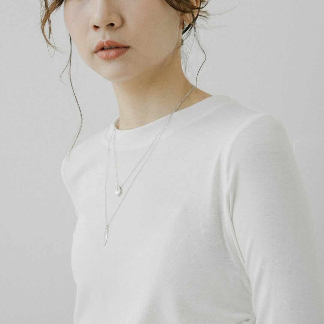 Modal round neck drawstring pleated long sleeve T-shirt in white