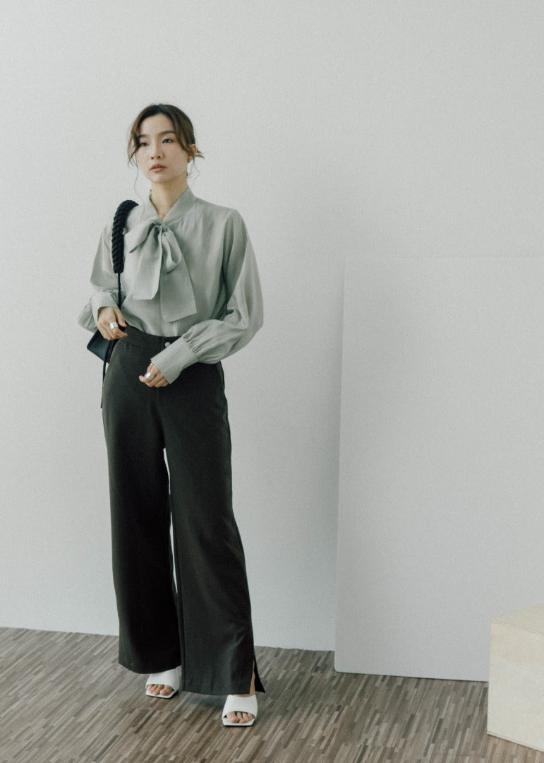 High-waist skinny pants with split legs and wide-leg pants in brown