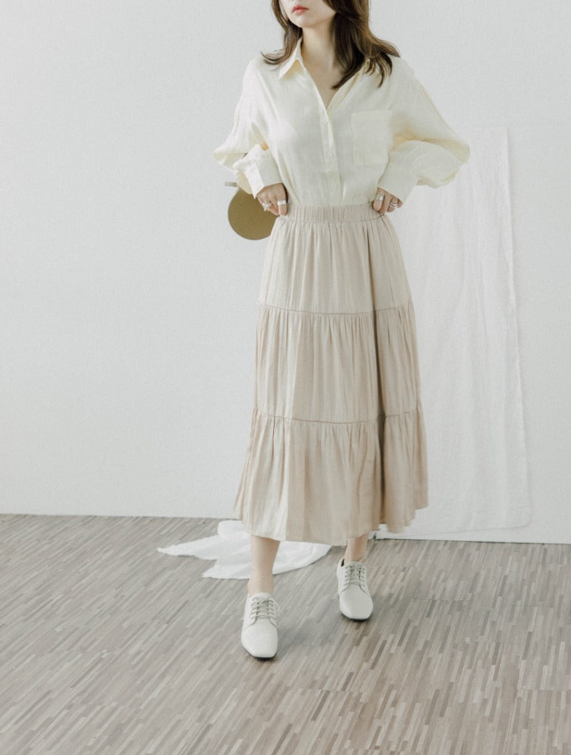 Pleated panel skirt in almond