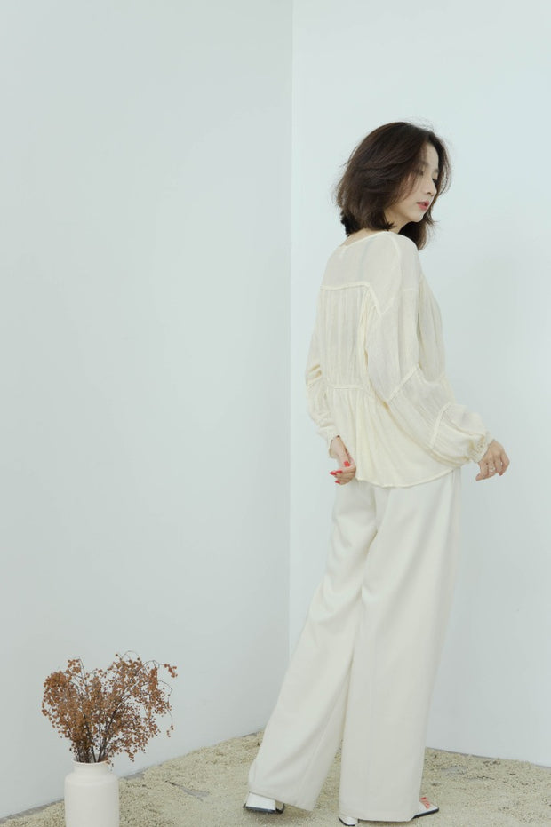 Round neck pleated thin long-sleeved top in almond