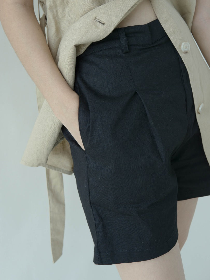 High waist wide leg shorts in classic black