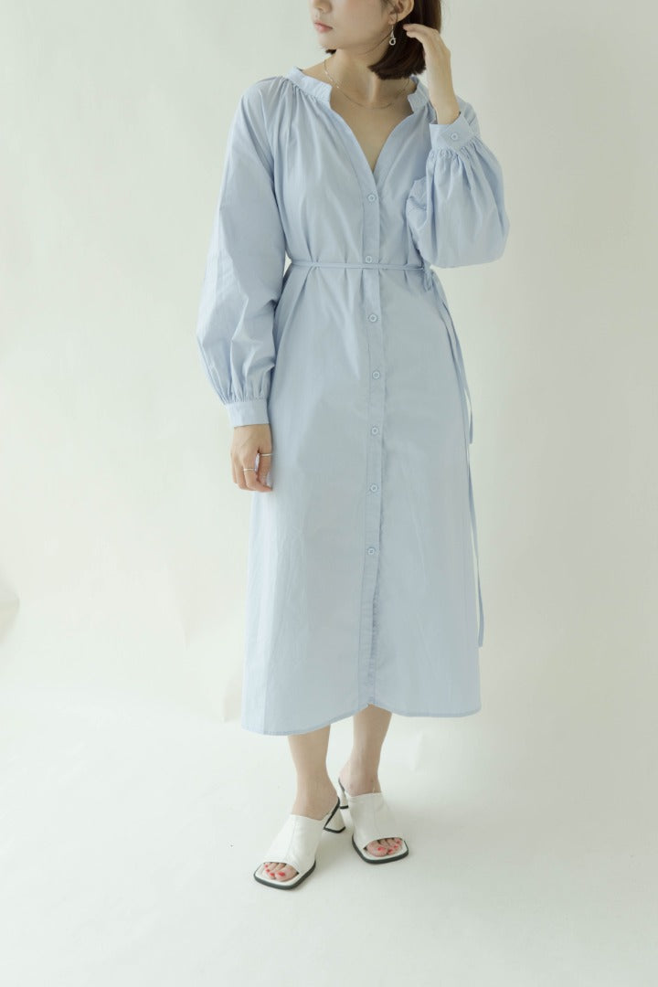 Long-sleeved dress in baby blue