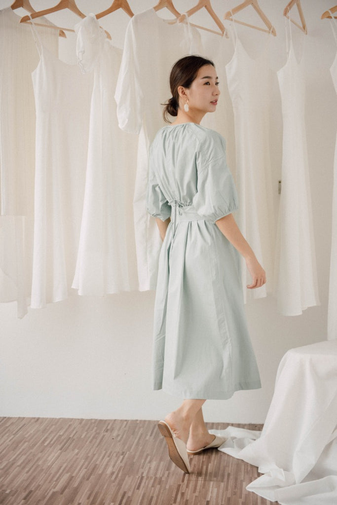 Backless French Vintage Dress in mint green