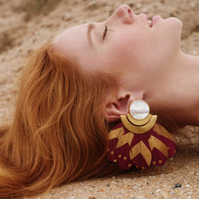 Load image into Gallery viewer, Kukulkán Burgundy Earrings / Mother Pearl