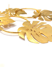 Load image into Gallery viewer, DOUBLE SPLIT LEAF EARRINGS