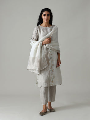 The set of 3 Pastel Blue Hand Embroidered Metallic Linen Kurta includes kurta, straight pants and dupatta. Linen kurta set, pastel blue kurta, hand embroidered kurta set, sober party wear kurta set, Straight pant kurta set, party wear suit, designer party wear suits