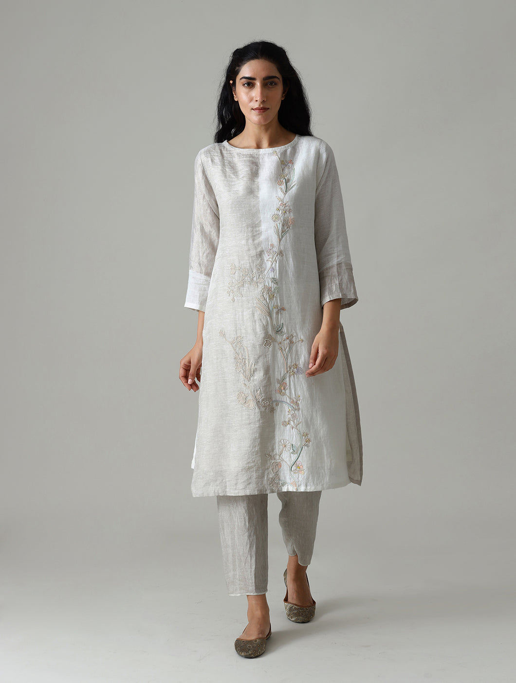 Amara Embroidered Metallic Linen Kurta- Ivory