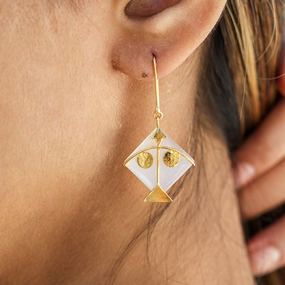 Fighter Kite Small Moonstone 2 Eye Earring