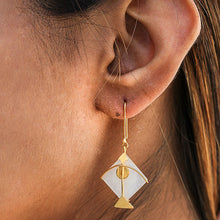 Charger l'image dans la galerie, Fighter Kite Small Moonstone Eye Earring