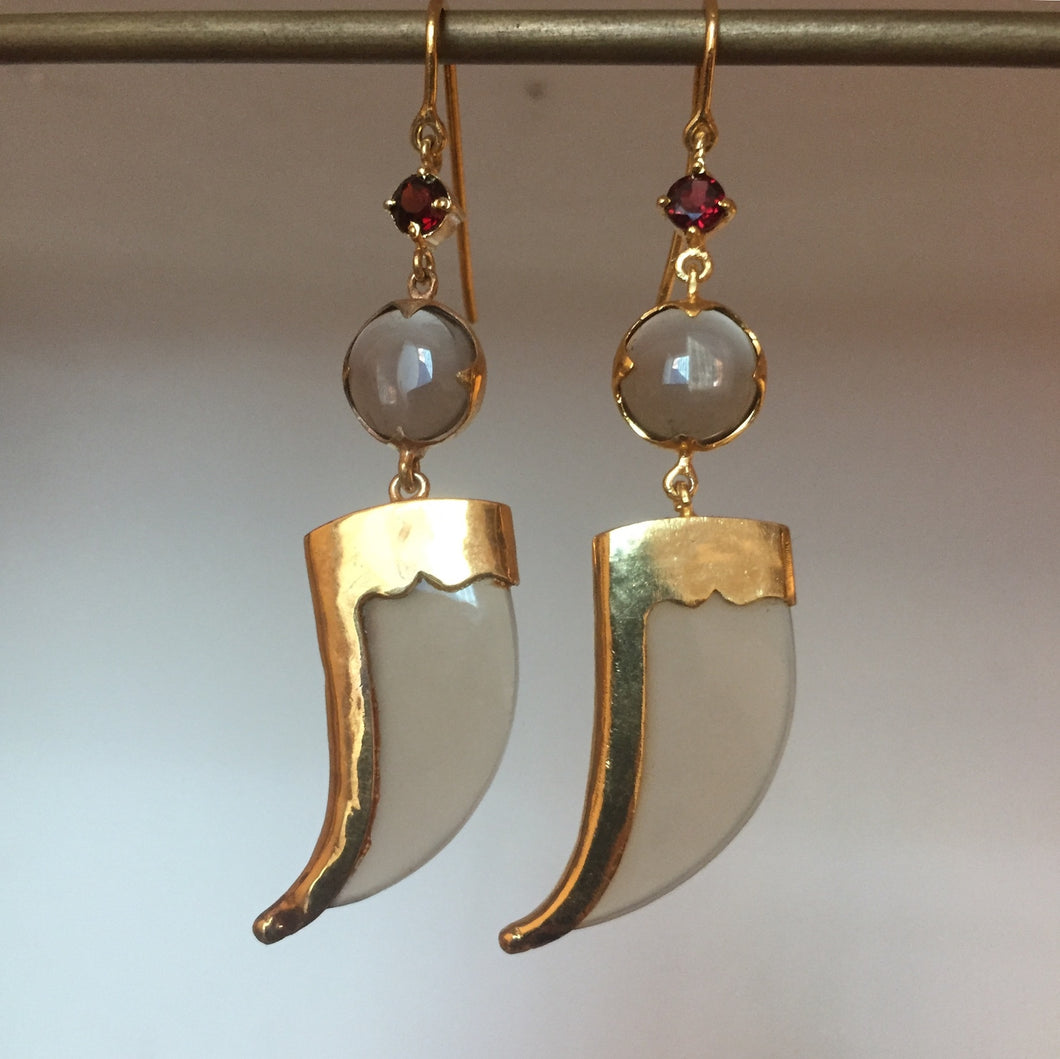 Avani Earring Gold Plating With Maroon