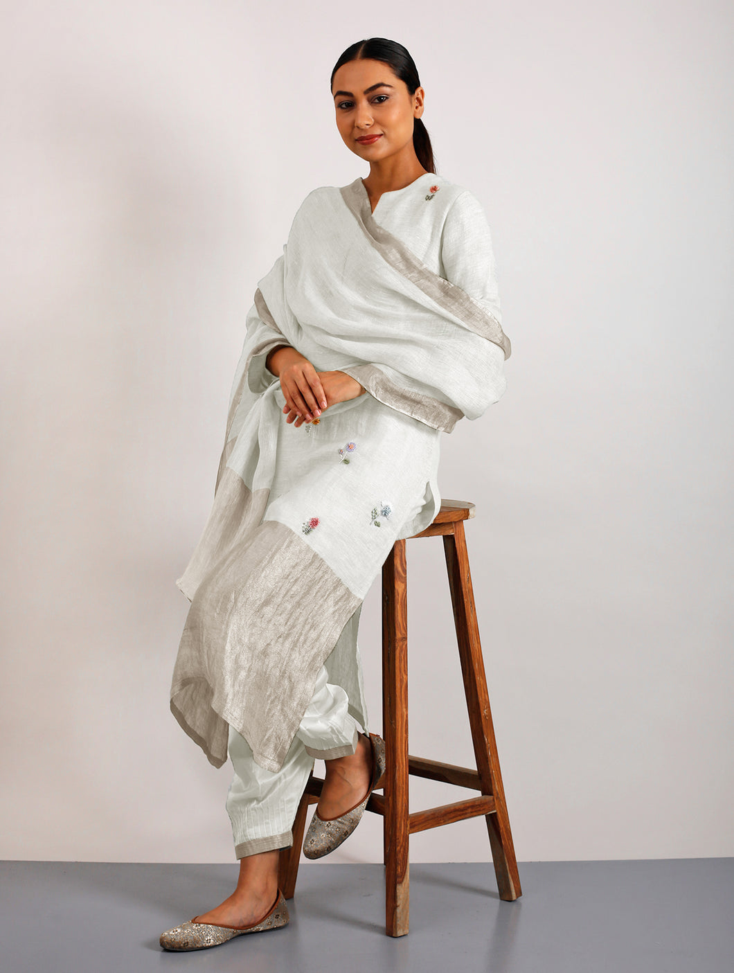 Emile Metallic Linen Hand-Embroidered Kurta Set With Pants And Dupatta- Ivory