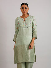Load image into Gallery viewer, Celia Hand Embroidered Metallic Linen Kurta- Lime