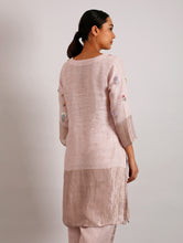 Load image into Gallery viewer, Celia Hand Embroidered Metallic Linen Kurta- Blush