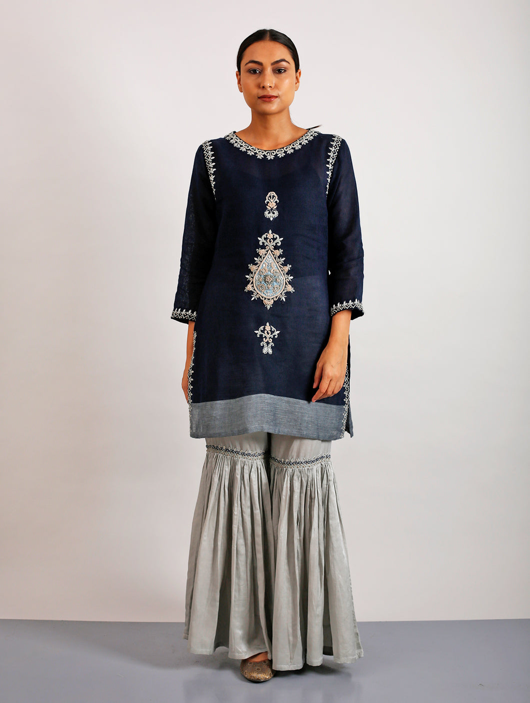 Ezra Appliqued And Hand-Embroidered Short Kurta
