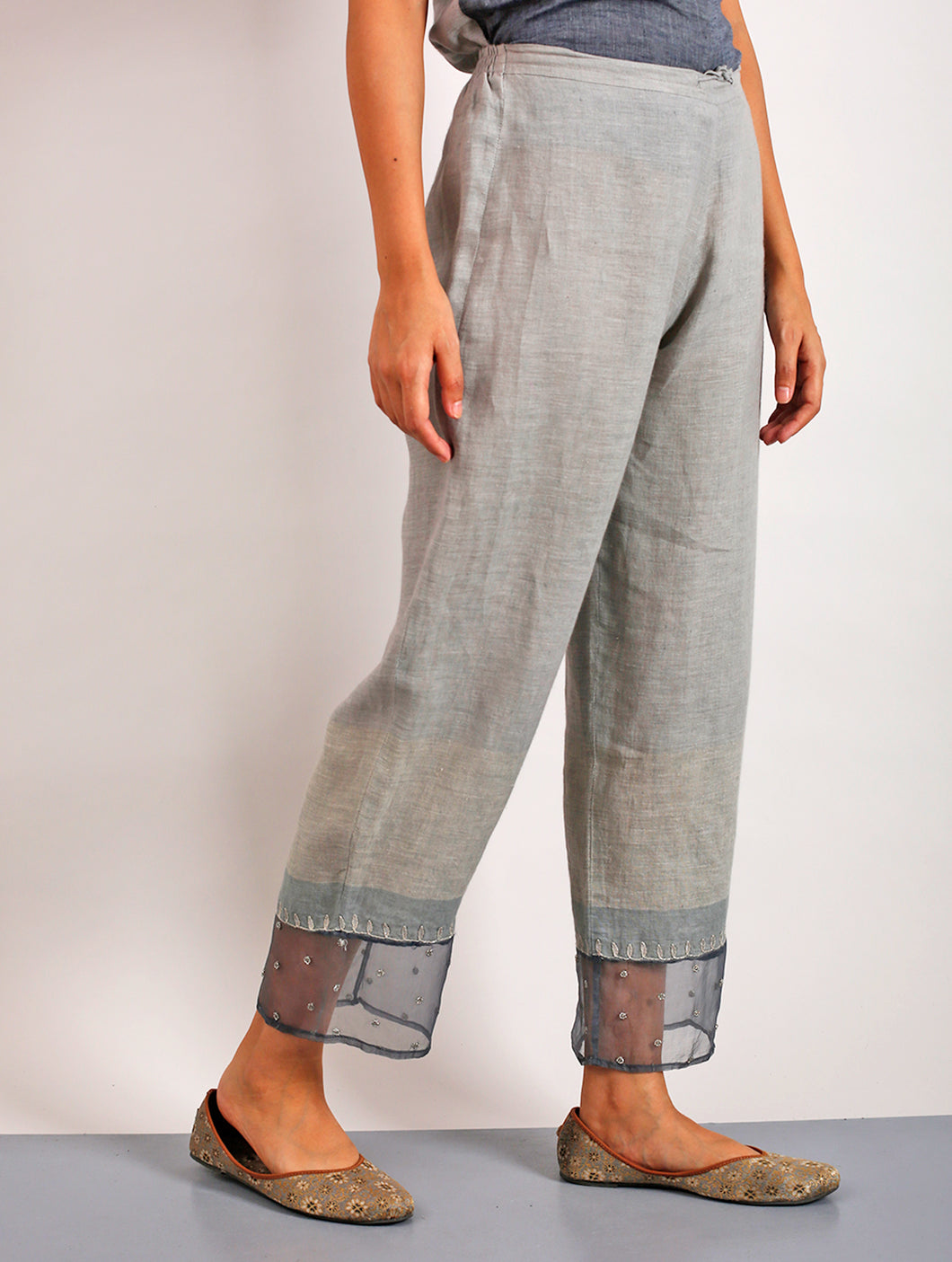 Sanoh Embroidered Linen Grey Pants