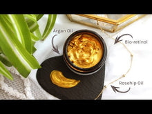 Video laden en afspelen in Gallery-weergave, bio-retinol gold mask