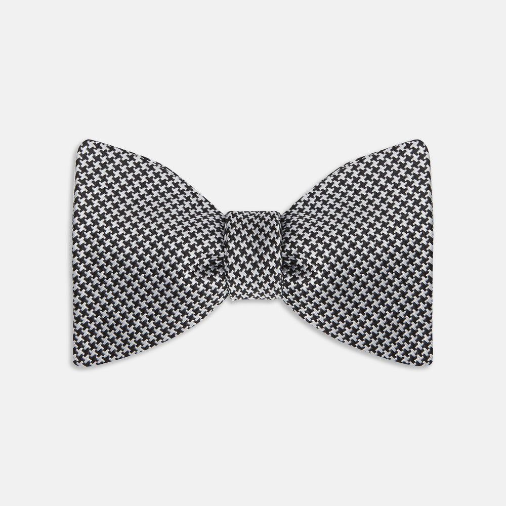 Black and white houndstooth bow