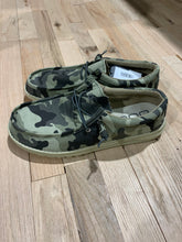Load image into Gallery viewer, Hey Dude Wally Camo Shoes