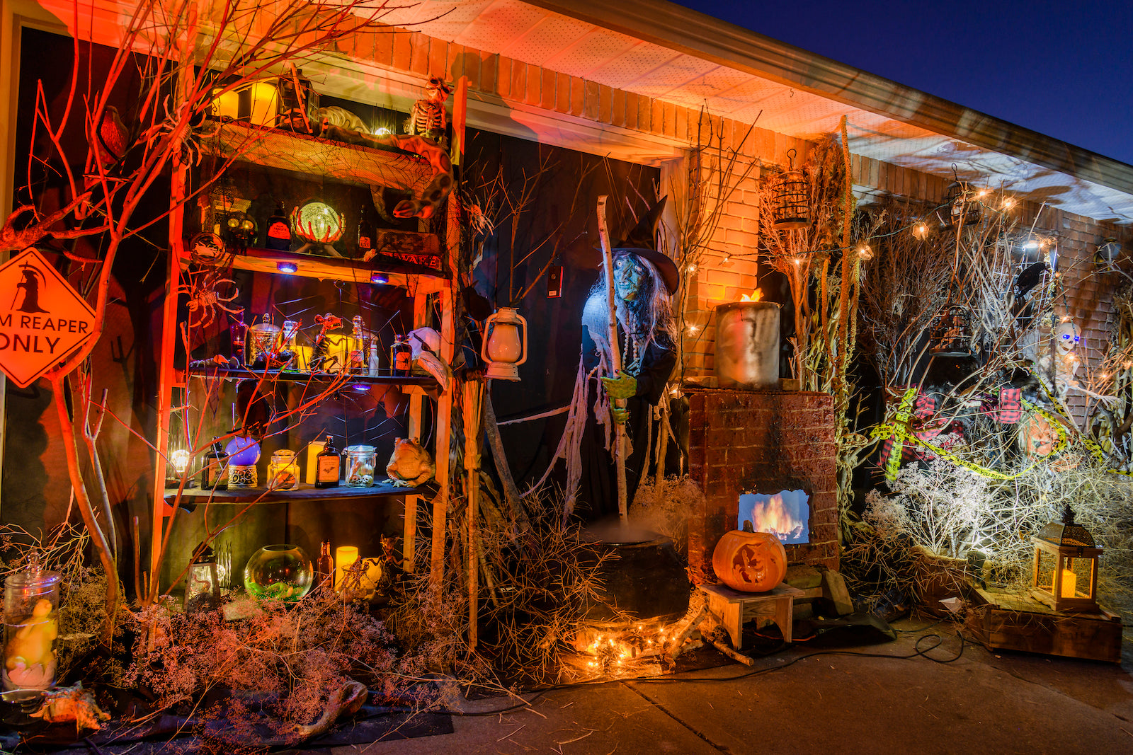 A Halloween Display Rich in Detail | AtmosFX