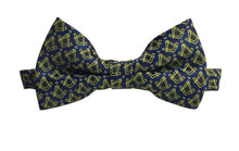 Load image into Gallery viewer, Masonic Regalia Tie, Bow Tie and Handkerchief Set