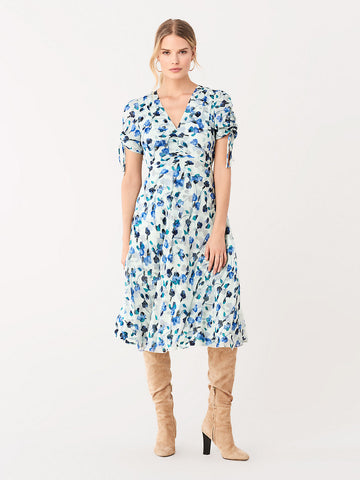 Eleonora Crinkle Chiffon Dress in Floating Florals Bluebird