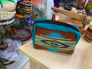 Make up purse (check with the vendor available colors)