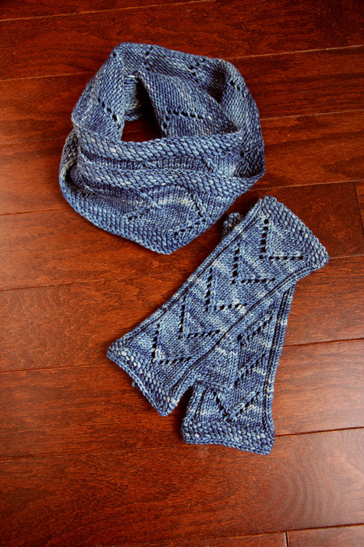 One-Way Infinity Scarf & Mitts