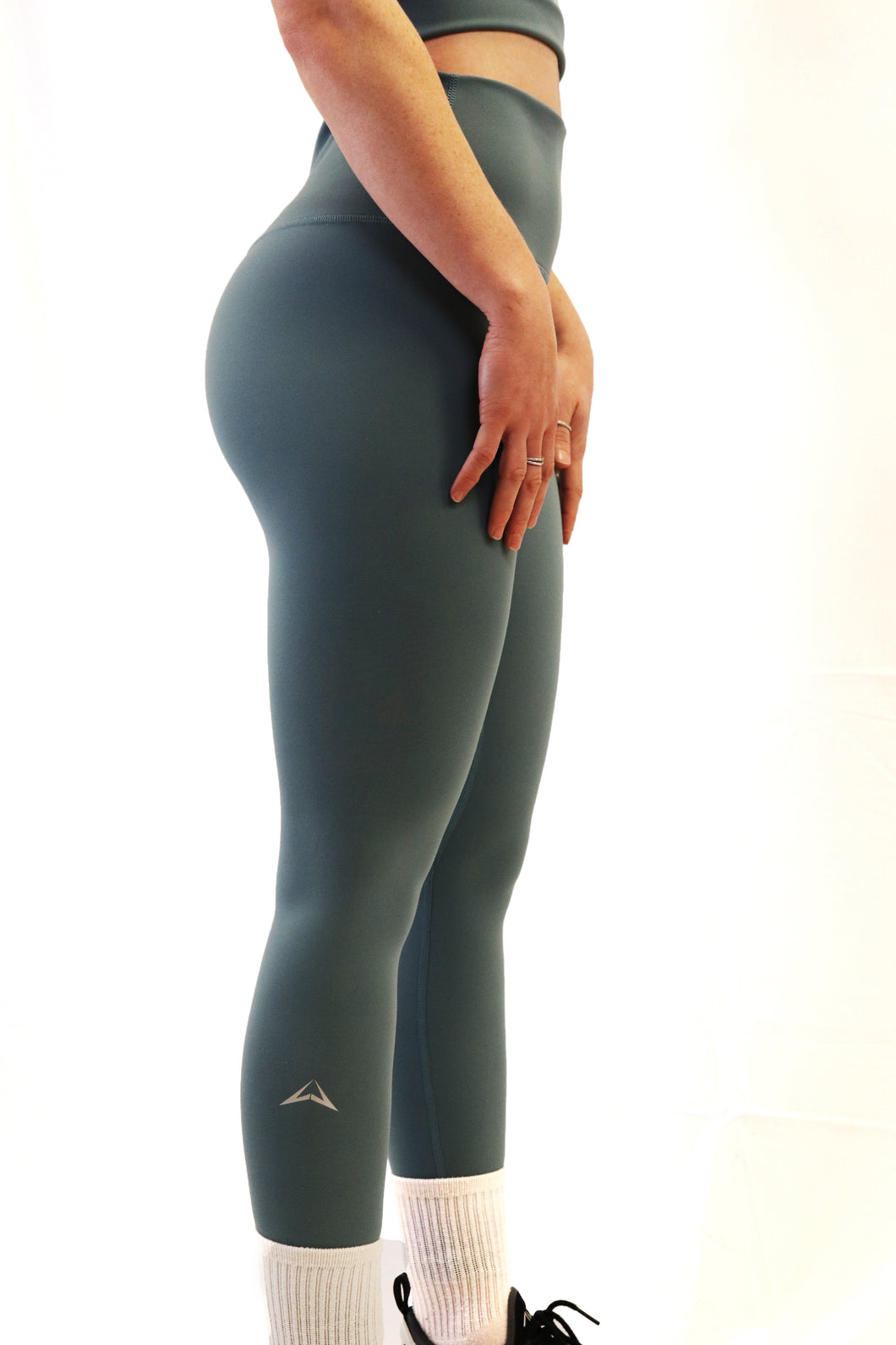 The Aspire Legging - eco green