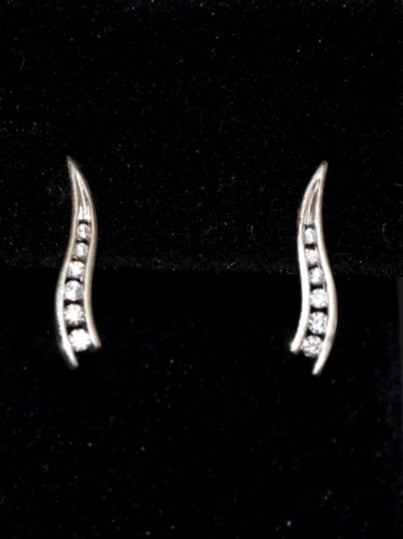 ara's Fashion Elegant Multiple Sliver diamonds earrings