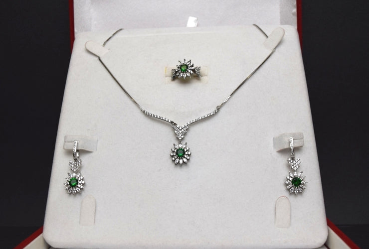 Sara's Fashion Sparkly and eye catching, this green jeweled set is perfect for any occasion | Edmonton