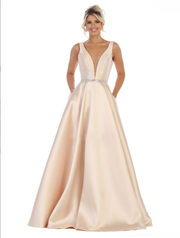Sara's Fashion V-Neck Wedding Gown In Edmonton.