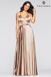 Sara's Fashion Floor-Length V-neck charmeuse dress with side pockets.