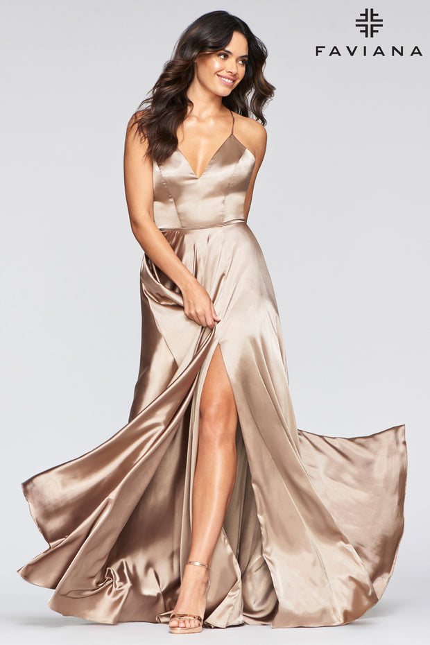 Sara's Fashion Floor-Length side split charmeuse dress with side pockets.
