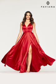 Sara's Fashion Red, Floor-Length V-neck charmeuse dress with side pockets and back lace-up for adjustable fit.
