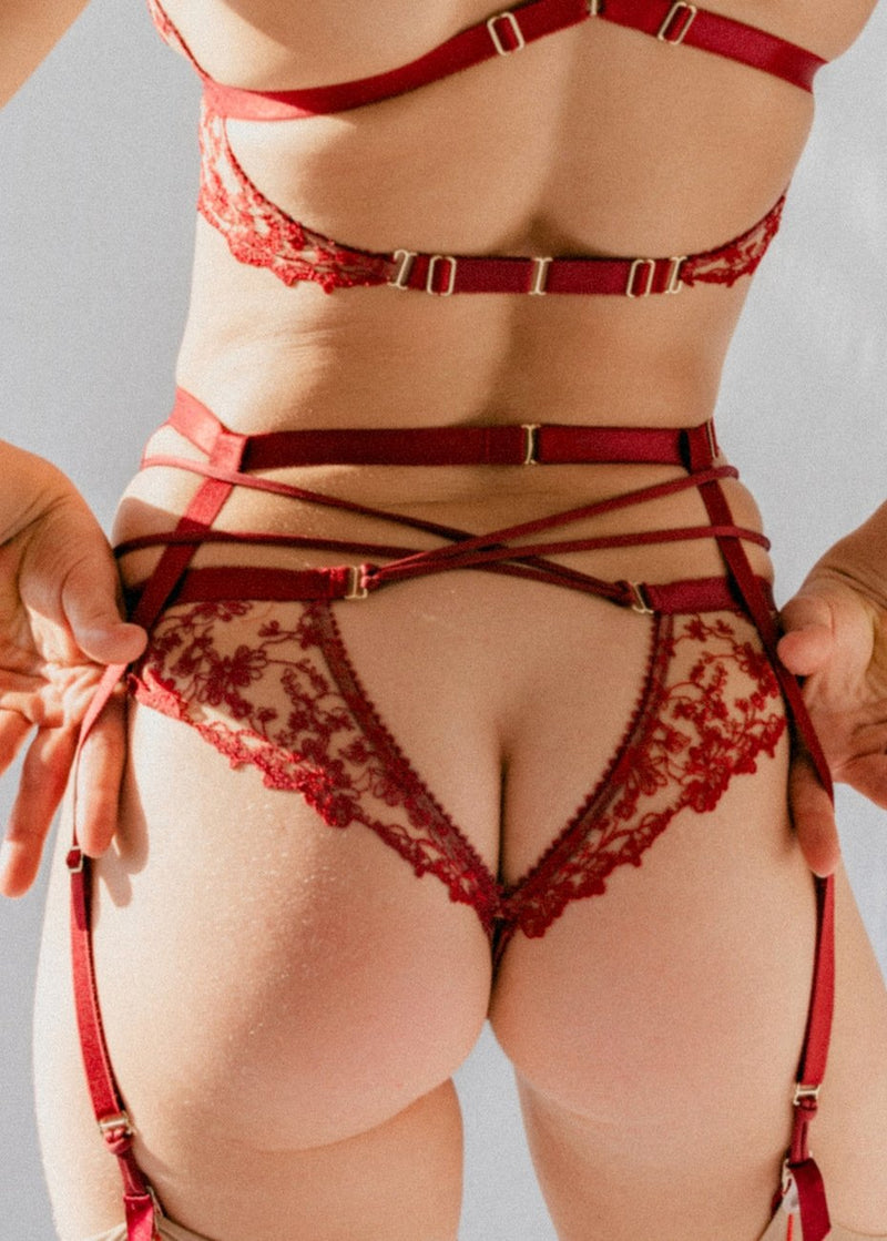 Gaia (Red) Suspender-Bottoms-Tisja Damen-AvecAmourLingerie