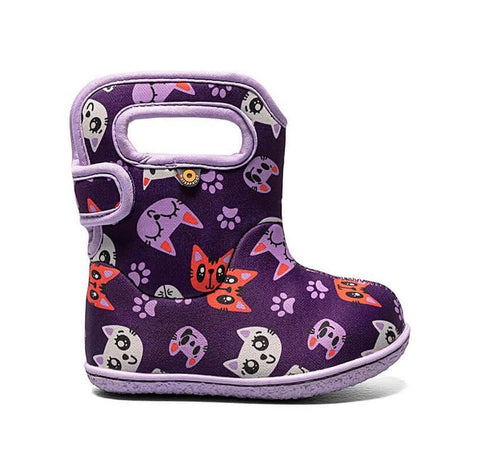Bogs Baby Rain Boot-purple kitties. Rain/Snow insulated and lightweight boots for toddlers. Dark purple boot with lavender/pink/white cats and lavender trim and sole.